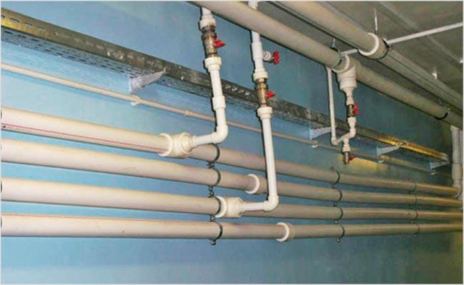 Монтаж пластиковых труб на отопление  видео